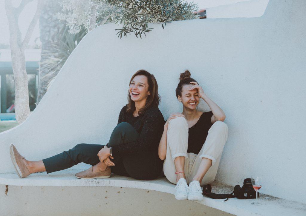 Lachen verbindet uns mit Menschen